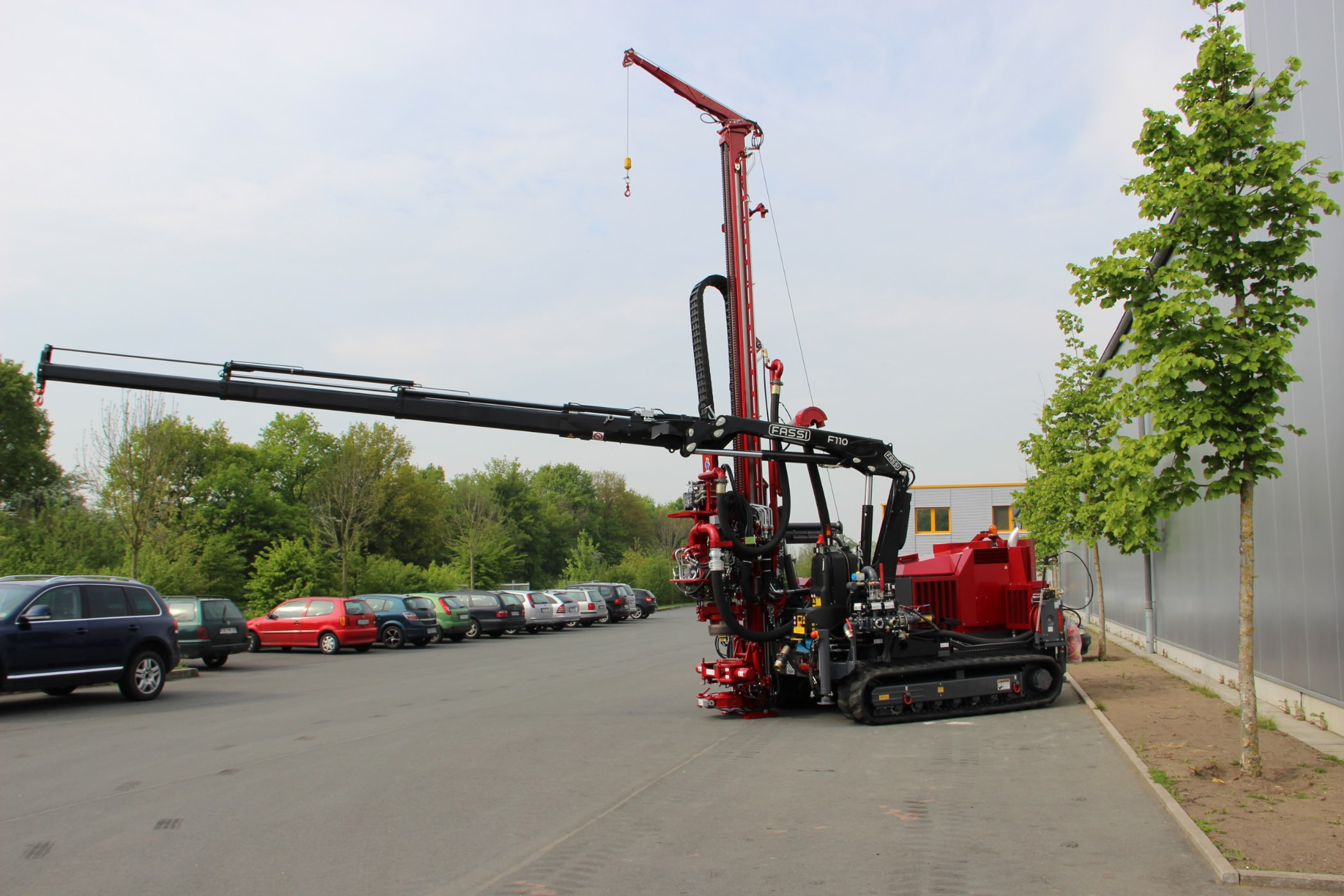 Geotec_Bohrtechnik_Drilling_Geothermiebohrung_Hammerbohrungen_Geothermal-drilling-application_Hammer-drilling_Rotomax_XL_GTKi_01-IMG_5017